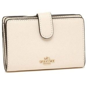 NWT Coach F11484 White  Leather Zip Wallet